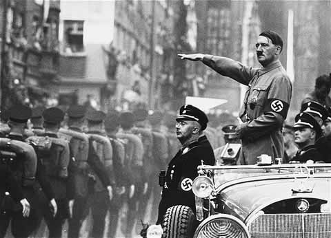 Hitler showing the Nazi salute