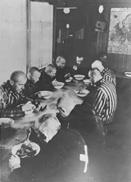 sachsenhausen prisoners in mess hall