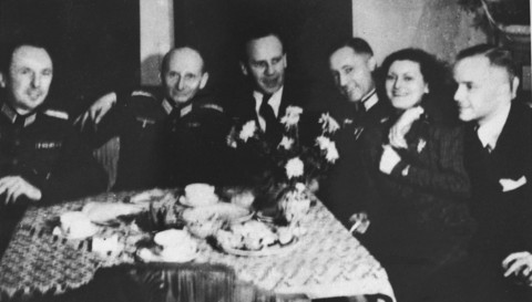 oskar schindler and amon goeth essay Oskar schindler essay oskar asked amon goeth what was not spent bribing amon goeth and the other nazi officials were spent on feeding and protecting his jews.