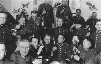 an analysis of the men of reserve police battalion 101 Ordinary men: reserve police battalion 101 and the final solution in poland audio cd – audiobook, unabridged  ordinary men is the true story of reserve police.